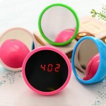 愛美百貨│LED圓型鏡子造型設計鏡面鬧鐘 (顏色隨機出貨)